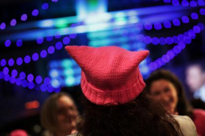 Британку оскорбила шапка дочери