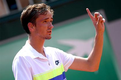Медведев завоевал первый титул в карьере