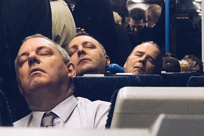 Британец заснял «атаку клонов» в метро