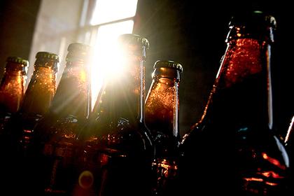 Россиянин попытался откупиться от полицейского 39 бутылками пива
