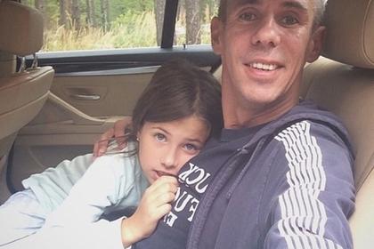 Панин вместе с дочерью решил «валить» из России