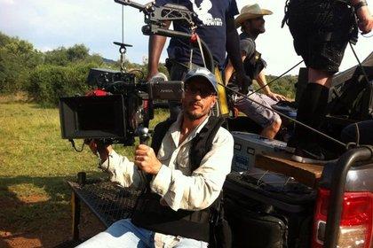 Жираф убил режиссера во время съемок фильма