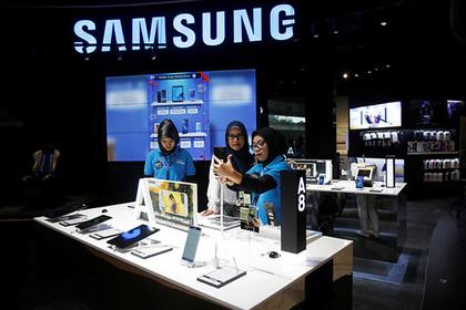 Смартфоны Samsung начали тайно рассылать все фотографии владельцев