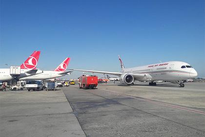 Два самолета столкнулись в турецком аэропорту