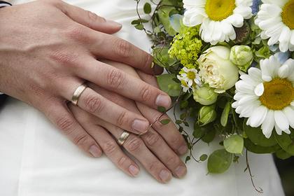 Девушка вышла замуж за труп возлюбленного перед его похоронами