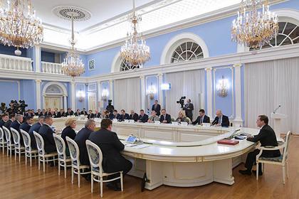 Премьер-министр России перешел на китайский
