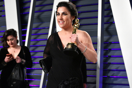 В сети возмутились получившим «Оскар» фильмом про менструацию
