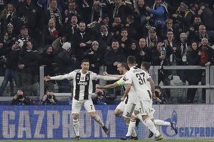 Хет-трик Роналду вывел «Ювентус» в четвертьфинал Лиги чемпионов