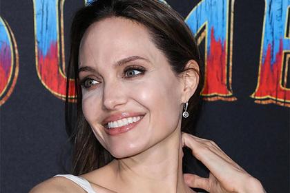 Анджелина Джоли задумала оставить наследство только одному из шести детей