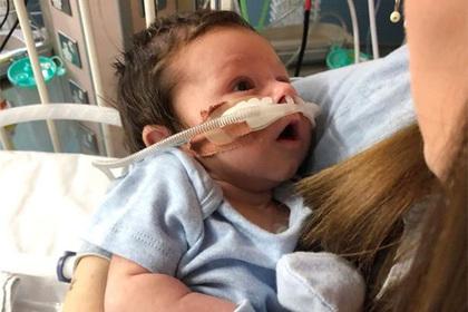 Мать ослушалась врачей и спасла жизнь «сонному» ребенку