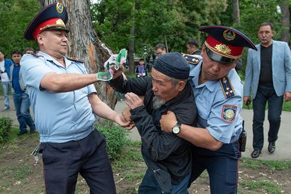 В Казахстане задержали 700 участников митингов