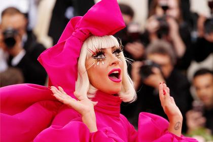 Леди Гага выругалась матом из-за вопроса о романе с Брэдли Купером