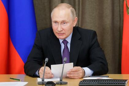 Путин выделил Дагестану миллионы рублей после просьбы Нурмагомедова