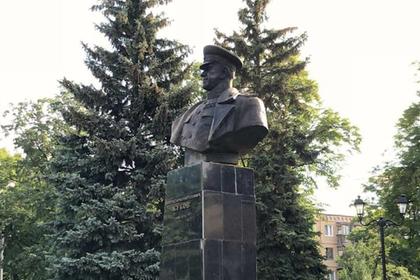 В Харькове восстановили памятник Жукову