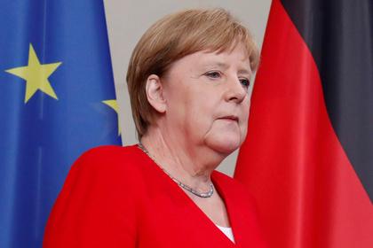 Оценена вероятность отставки Меркель из-за приступов дрожи