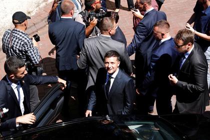 Зеленский рассмотрит петицию об отмене финансирования партий из бюджета