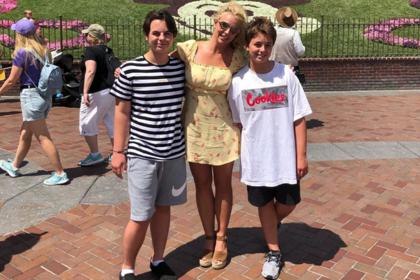 Отца Бритни Спирс обвинили в насилии над ее ребенком