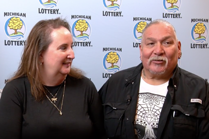Выигравший 80 миллионов долларов в лотерею мужчина отказался бросать работу