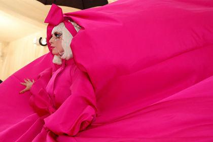 Леди Гага рассказала о пережитых изнасилованиях