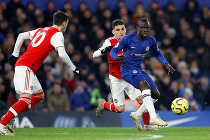 «Арсенал» дважды отыгрался в меньшинстве в лондонском дерби с «Челси»