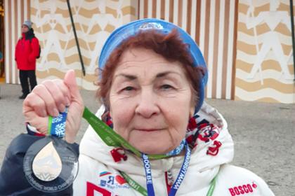 83-летняя россиянка победила на чемпионате мира по плаванию