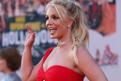 Альбом Бритни Спирс возглавил чарт iTunes через четыре года после выпуска