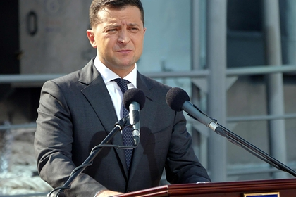 Зеленского предложили заменить голограммой из-за несчастных случаев
