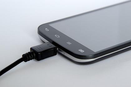 Названа опасность использования смартфона во время зарядки