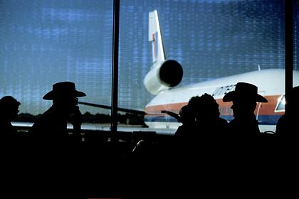 Мужчина нашел способ летать на самолетах бесплатно и сел в тюрьму