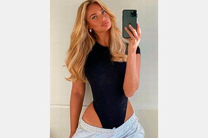 Фото модели любимого дешевого бренда россиян в спущенных брюках смутило клиентов