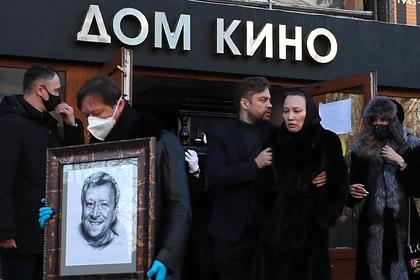 Вдова Грачевского резко высказалась о похоронах режиссера