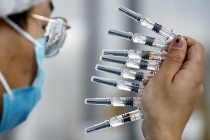 Китай вакцинирует полмиллиарда человек к середине лета