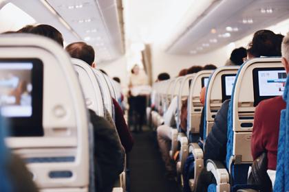 Стюардесса рассказала об одной особенности на борту самолета в период пандемии
