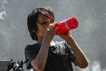 Питье воды при отсутствии жажды назвали опасным