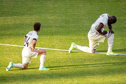 УЕФА призвал уважать акцию с преклонением колена на матчах Евро-2020