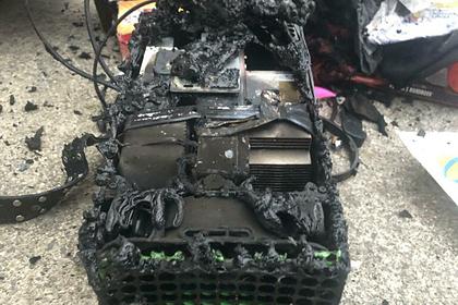 В сети опубликовали фото якобы взорвавшейся консоли Xbox