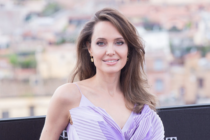 Анджелина Джоли боялась за безопасность своих детей из-за Брэда Питта