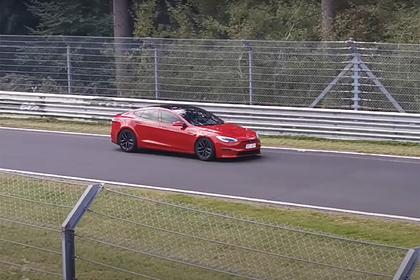 Автомобиль Tesla побил скоростной рекорд