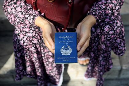 В Афганистане появился черный рынок виз
