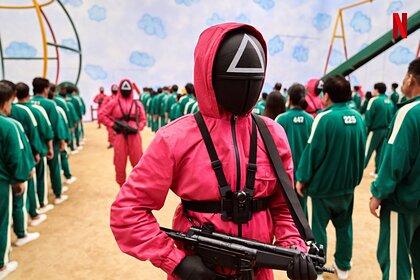 Сериал о детских играх на выживание возглавил топ Netflix в 90 странах