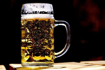 Мужчина за сутки выпил в 51 пабе и попал в Книгу рекордов Гиннесса
