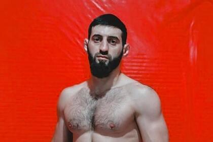 Боец MMA нокаутировал соперника за пять секунд