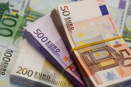 Курс евро рекордно упал